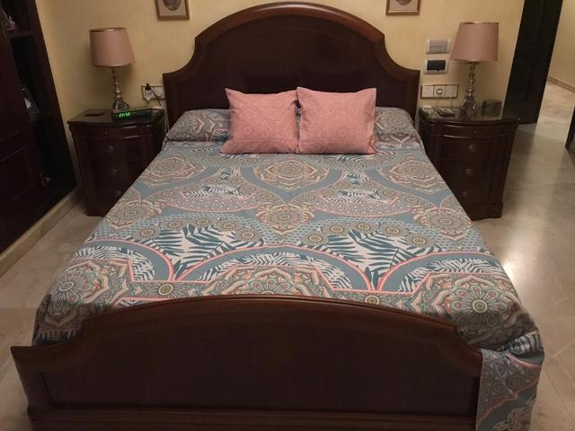 Dormitorio de matrimonio completo que hay que portear fuera de nuestras fronteras