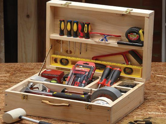 caja de herramientas suficientemente abastecida para desmontar cualquier mueble