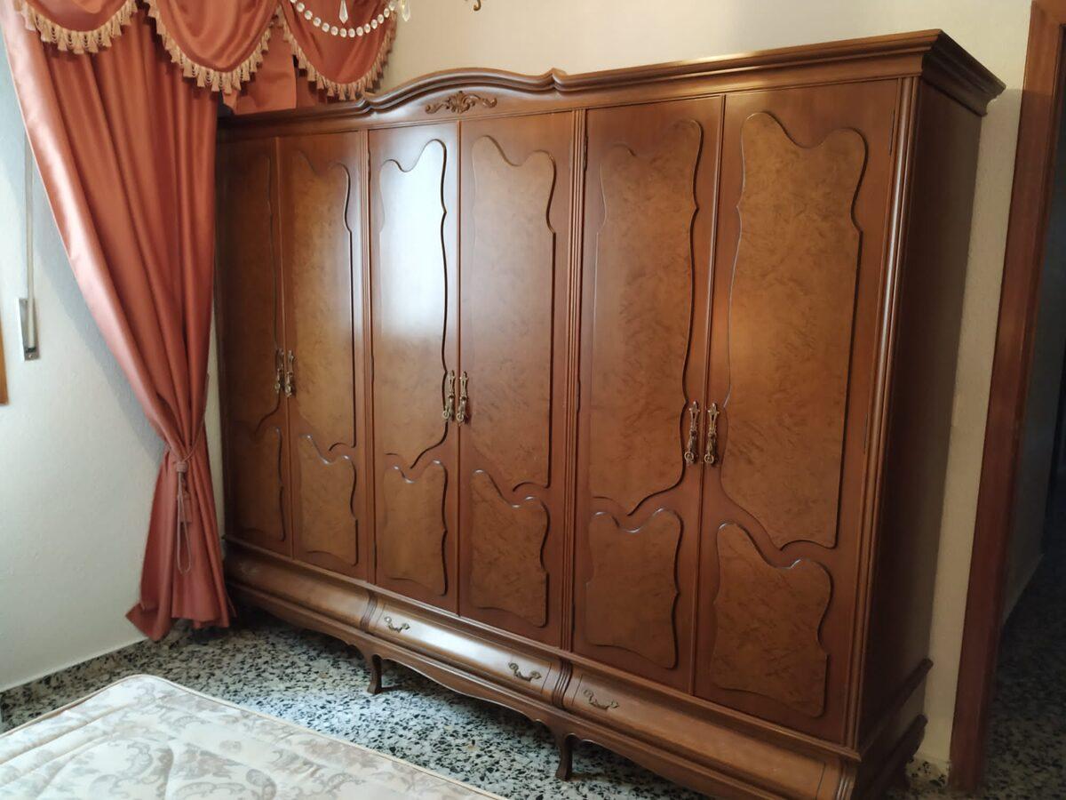 Armario de 6 puertas clásico