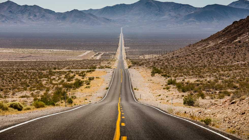 foto de una carretera larga que representa el radio de acción de nuestros trabajos